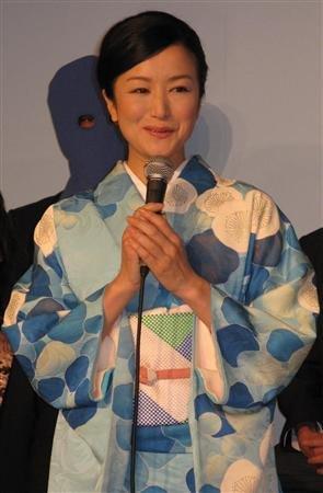 铃木京香出席新剧发布会 称理想儿子要像克鲁斯