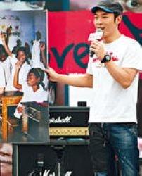 许志安自曝12年前探访柬埔寨经历 感慨人生不公