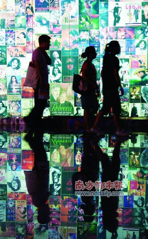 中国电影不像产业像作坊 信息不透明被批假繁荣