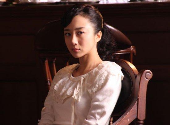 """李依晓《母亲心》饰反派 """"假公主""""引发口水战"""