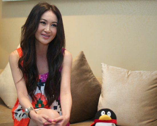 腾讯娱乐专访温碧霞:性感背后的感性人生