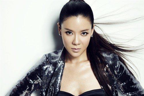 """演员何佳怡加盟博纳 """"百变女王""""片约不断"""