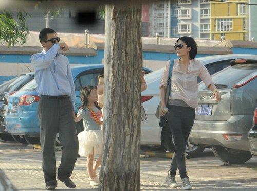 王菲有意要回李嫣抚养权 李亚鹏疑疏于照顾女儿