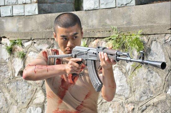 《我是特种兵2》徐佳入戏太深 拍戏中遭遇黄蜂