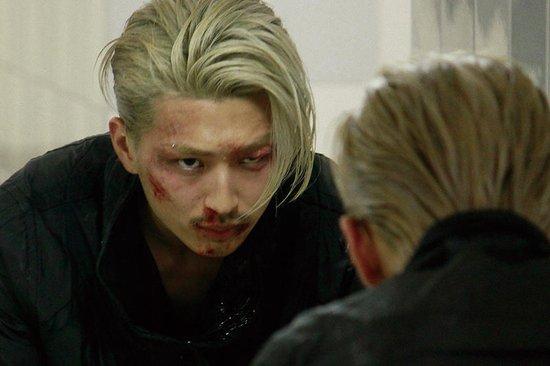松田翔太为主演电影《铁骨柔情》宣传赢得喝彩