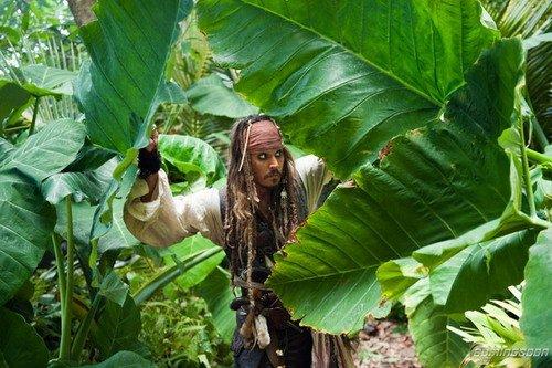 《加勒比海盗4》新剧照 两大船长首度并肩亮相