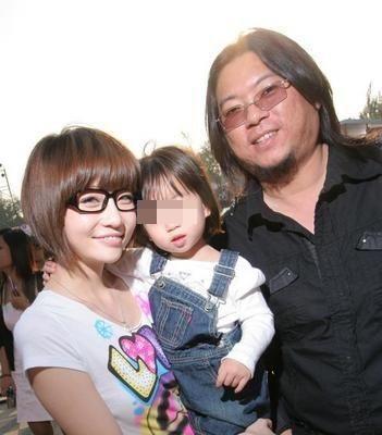 高晓松发声明:于去年6月离婚 将共同抚养女儿