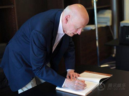 视频:独家专访戛纳电影节主席吉尔斯·雅各布