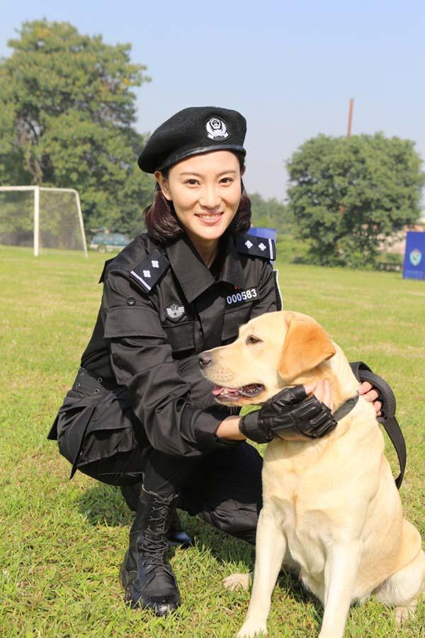 侯梦莎携樱桃归来 《警花与警犬》二轮登广东