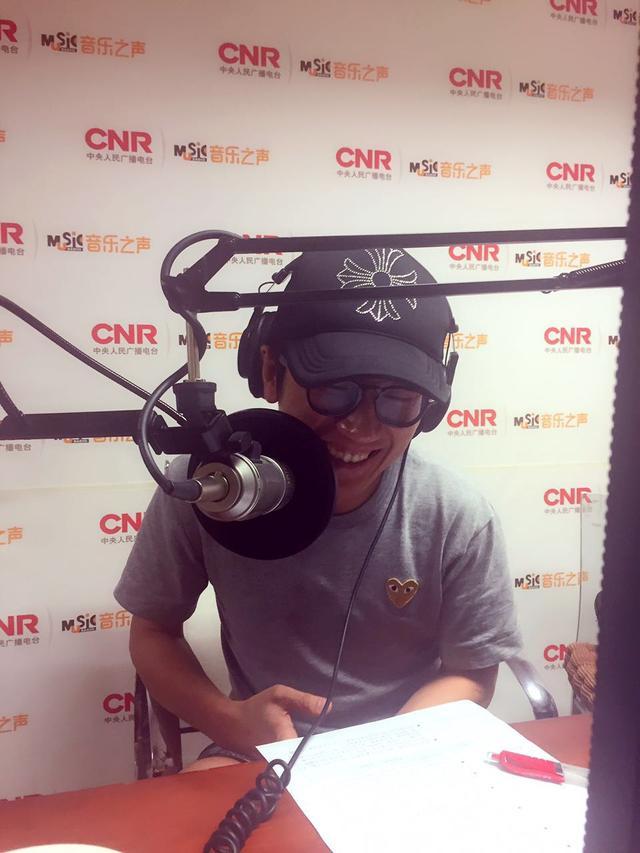 金志文挑战担任电台DJ 不忘筹备新专辑