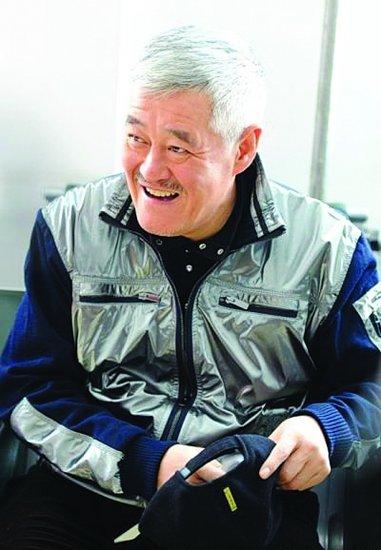 赵本山露面做慈善 新剧《不是钱的事》改名