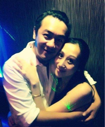 陈浩民与妻子蒋丽莎原是奉子成婚 下个月当爸爸