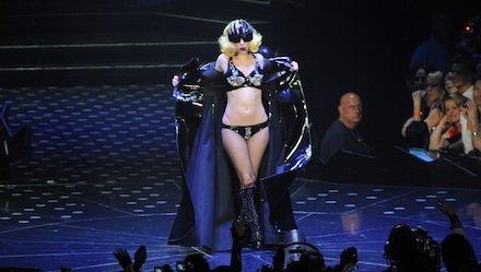 Lady Gaga领先MTV大奖提名 微薄上感谢歌迷支持