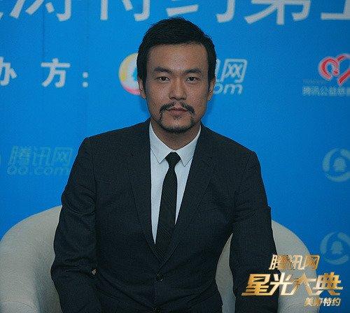 廖凡喜获最佳人气演员奖 祈愿2011年能飞得更好