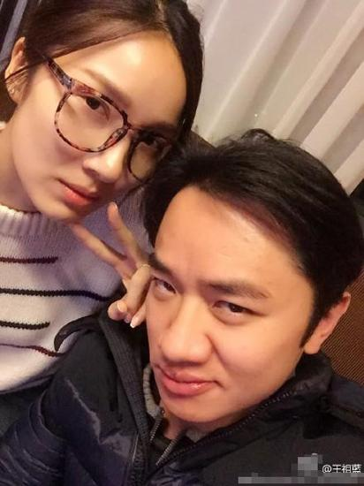 王祖蓝36岁生日好幸福 妻子弹琴妈妈妹妹唱歌
