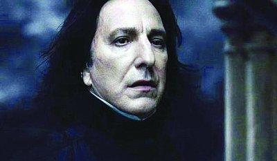 《哈利波特》4日零点落幕 吻戏讨巧斯内普催泪