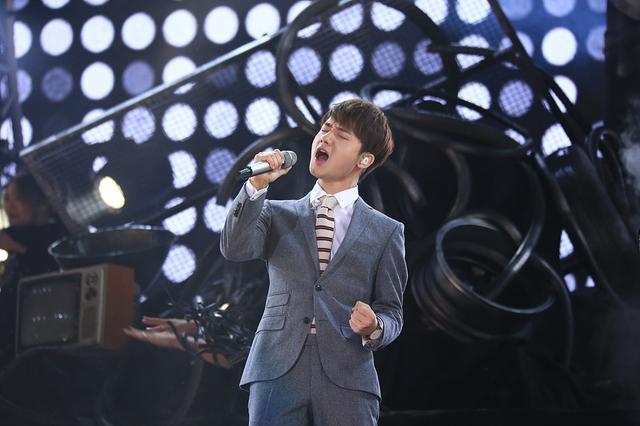 《新歌声》总决赛蒋敦豪夺冠 汪峰成冠军导师