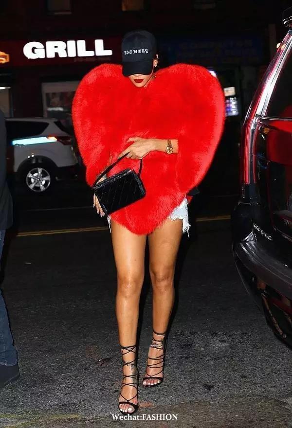 爆款 | 肯豆Rihanna都抢着穿这件桃心皮草!