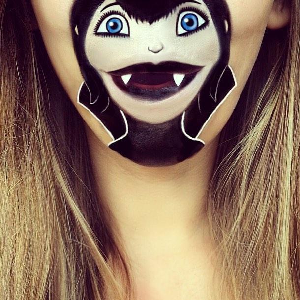 劳拉将卡通人物通通搬到了自己的嘴巴上,她对这些卡通惟妙惟肖的展现