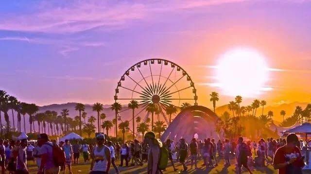 国内唯一受邀女博主Ava Foo带你玩转Coachella音乐节——全加州最大的音乐节,这样穿才是真时髦!
