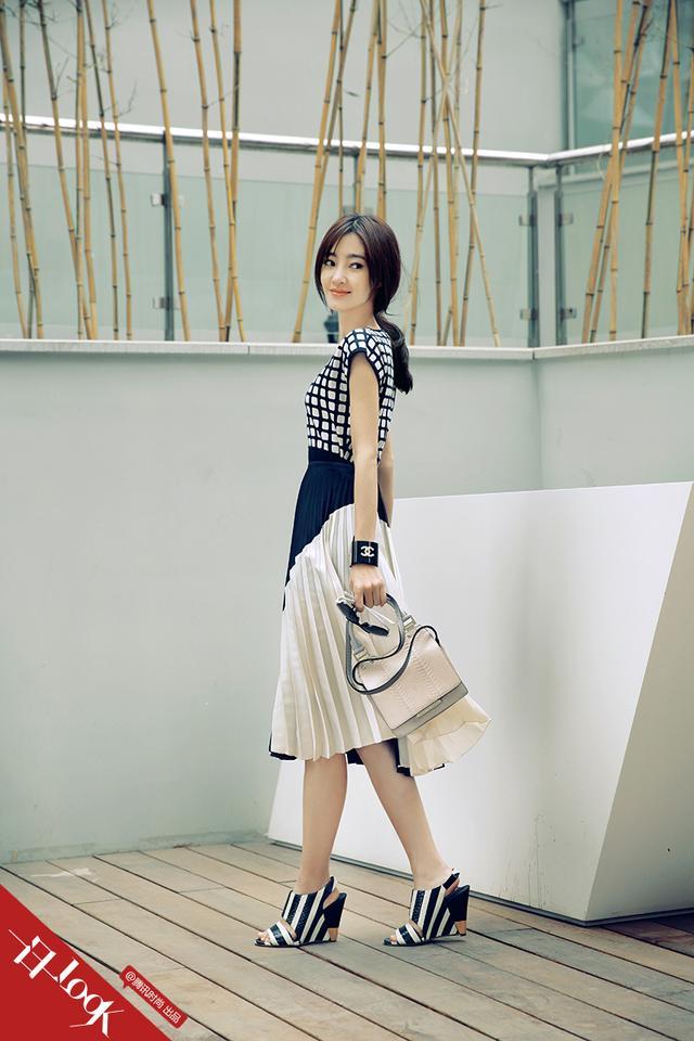 一日一Look 王丽坤拼色黑白装肆意优雅