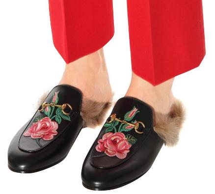"""拉黑雪地靴 Gigi踩了双""""拖鞋""""就敢粗街"""