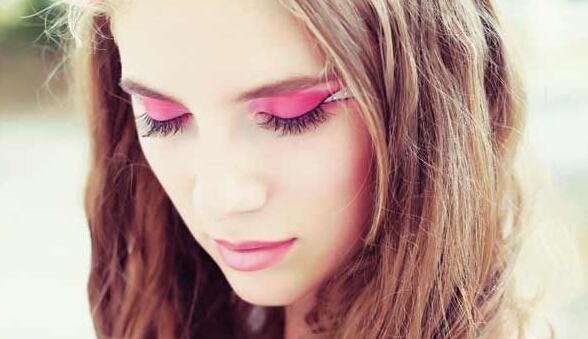 眼唇上的枫叶红 这一季粉红色好好玩