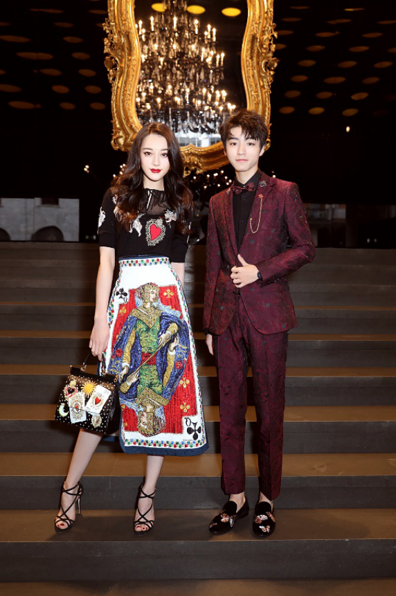 亚太区品牌大使王俊凯与迪丽热巴出席Dolce&Gabbana杜嘉班纳2018秋冬女装系列时装秀