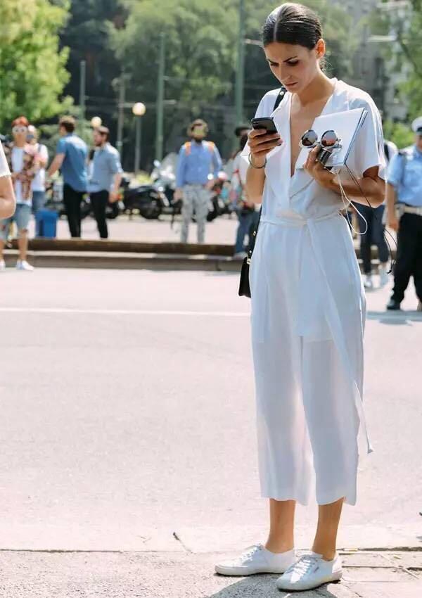 同样是意大利美女,她可比宇宙博主会穿多了