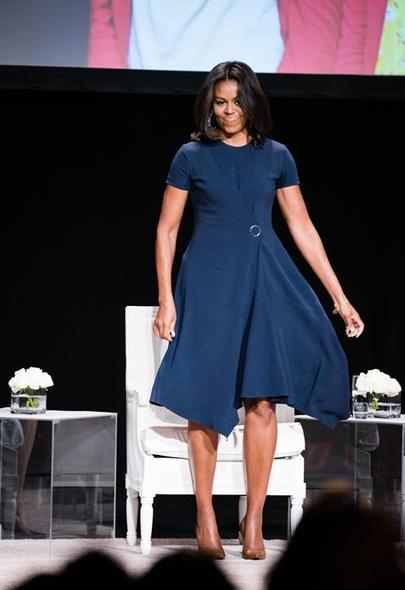 知性优雅!美国第一夫人Michelle Obama的最美造型