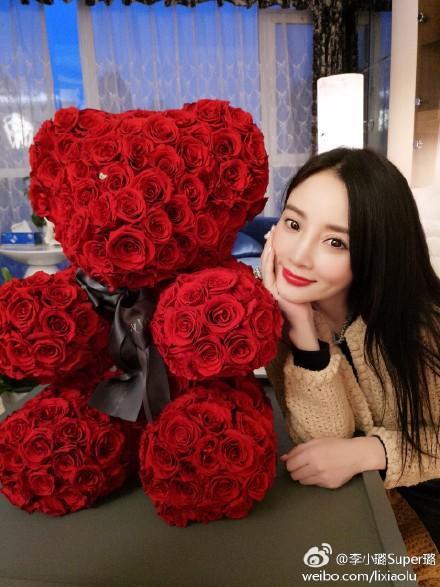 2017年情人节,看看他们如何用玫瑰实力宠妻