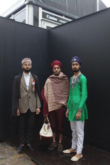 .伦敦时装周的街拍客不一定是穿得最美的,但他们一定是穿得最出位图片