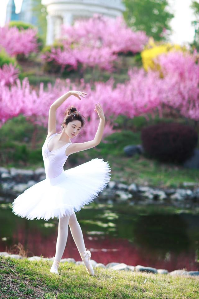 长腿女神孙嘉璐化身芭蕾精灵 生活方式 图2