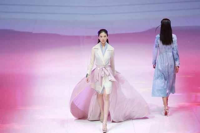 模特之星大赛总决赛北京稻香·湖景酒店如约而至,由中国服装设计师