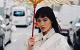 """中国博主脸贴珍珠惊艳外媒"""""""
