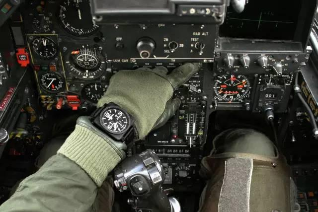 梦想照进现实:戴在手上的驰骋天际的航空梦