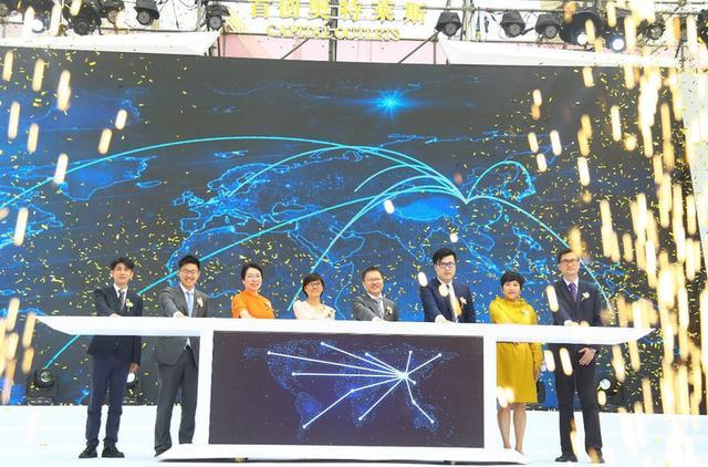 光影与动感的武汉首创奥特莱斯 擎动未来商业潜力