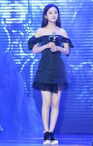 别看赵丽颖个子只有155 她不穿高跟鞋照样美翻天!