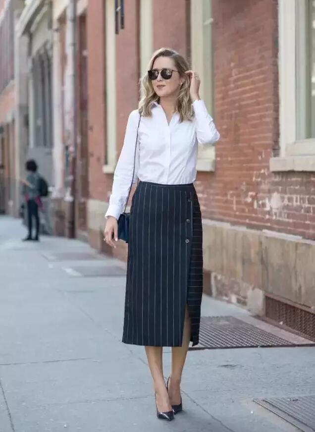 衬衣配裙装:打造2017简约高级穿搭,气质时髦翻倍!