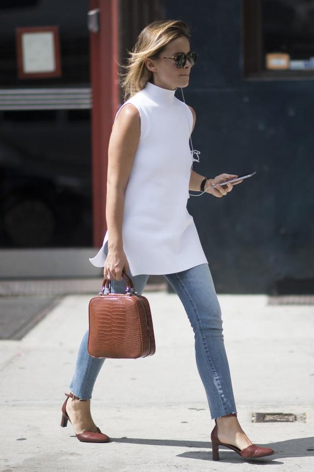 【长点儿心】今夏无袖装那么火,怎么穿才能美美上班又低调当白领啊