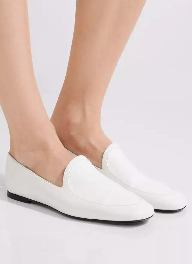 春天来了 | 今年买点不一样的小白鞋吧