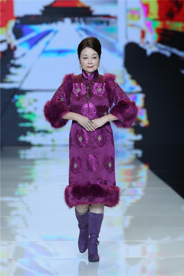 50 助力美丽梦想 中老年模特首秀北京时装周