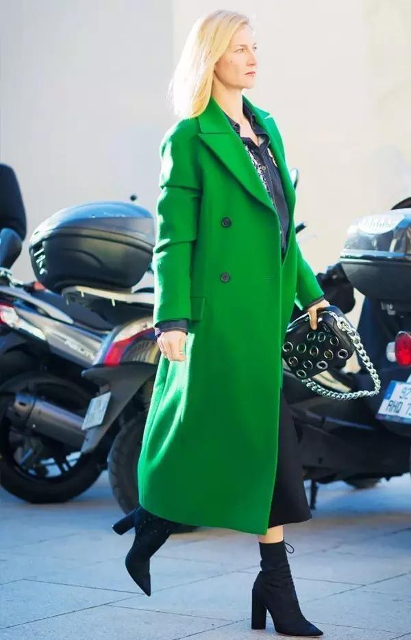 亮色大衣才最流行,美到没朋友!美翻整个新年!图片