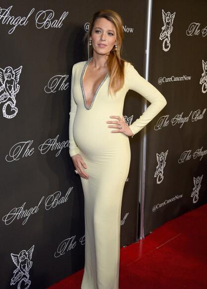 昆凌二胎孕照曝光身材依旧好到爆,为什么她们怀孕也能美上天