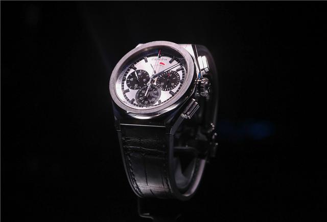 百分之一秒是怎样的速度,这款腕表告诉你
