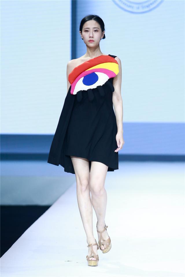 上海工程技能大学中法埃菲时装计划师学院作品宣布会