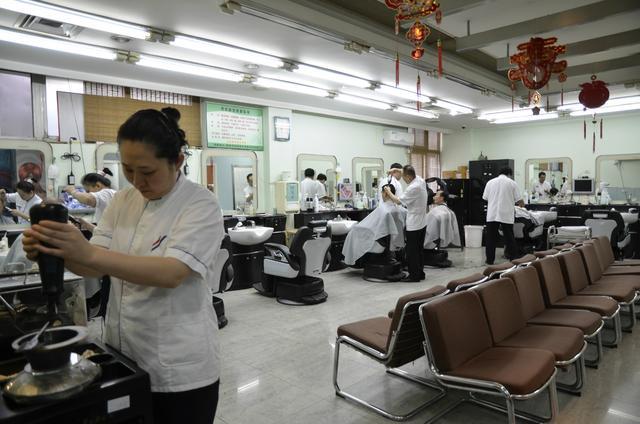 四联美发60周年店庆