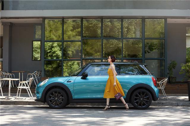 黎贝卡X MINI:只有一百人才有机会驾驭的蓝