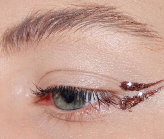 创意眼妆的精髓在于,不好好画眉毛,眼线和眼影!