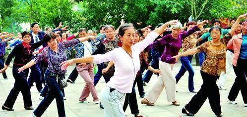 最流行的广场舞_2013年最流行的印度广场舞舞蹈 –